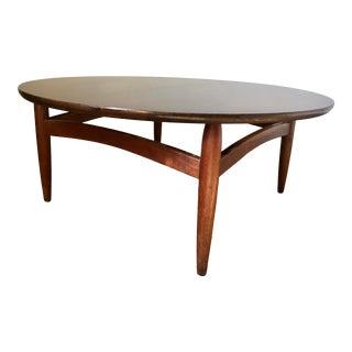 Mid-Century Modern Round Walnut Coffee Table For Sale