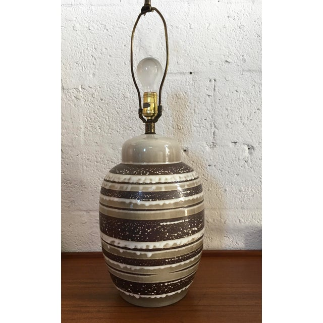 Brown Vintage Mid Century Modern Ceramic Table Lamp. For Sale - Image 8 of 8