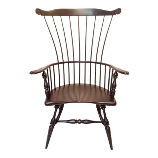 Frederick Duckloe & Bros Gentleman's Windsor Arm Chair For Sale