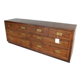 Henredon Campaign Style 7 Drawer Dresser 9101-03 For Sale
