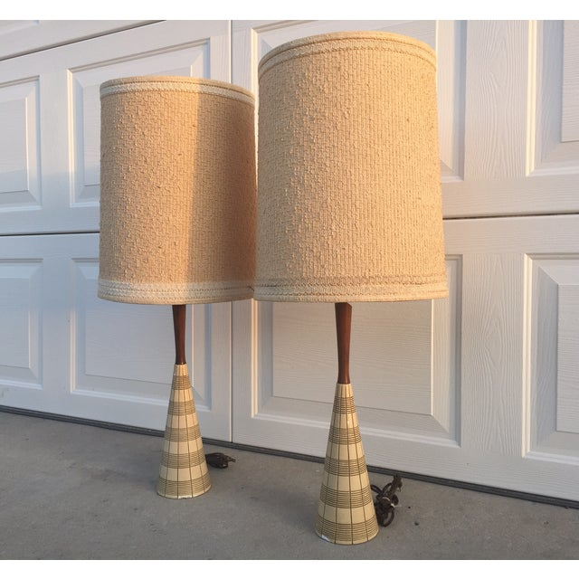 Tan Mid-Century Ceramic & Walnut Lamps - Pair For Sale - Image 8 of 10