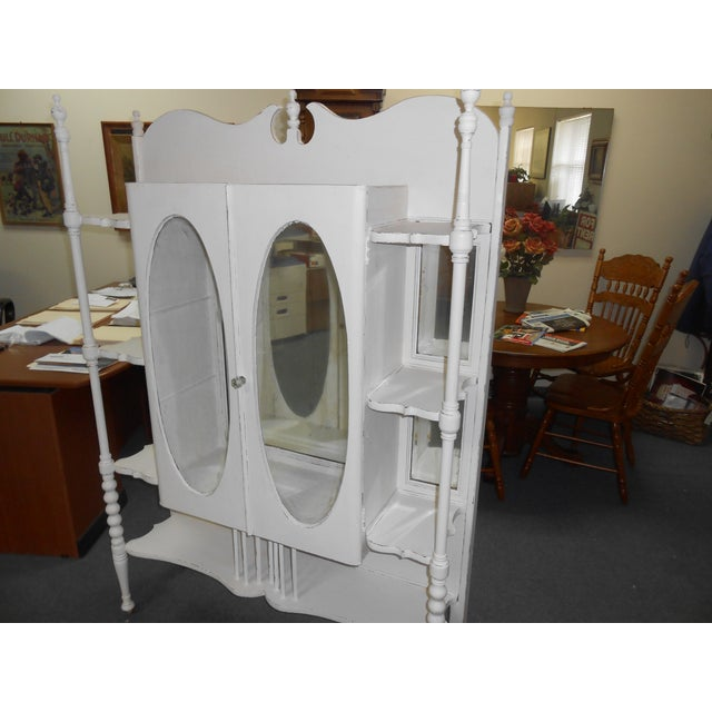 White Vintage Display Cabinet - Image 4 of 6