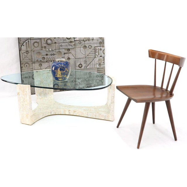 Mid-Century Modern stunning looking shape and quality organic kidney shape coffee table. Nice heavy and solid glass top....