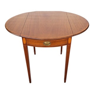 1950s Mid-Century Modern Biggs Mahogany Pembroke Drop Leaf Side Table For Sale