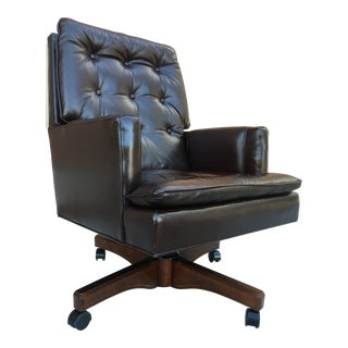 Mid-Century Modern Tufted Leather High-Back Executive Desk Chair by Leathercraft For Sale