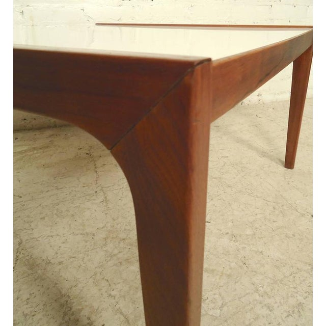 Mid-Century Modern Coffee Table For Sale - Image 4 of 6