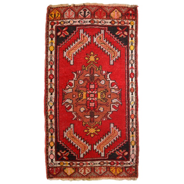 1960s, Handmade Vintage Turkish Yastik Rug 1.6' X 3.1' For Sale - Image 12 of 12