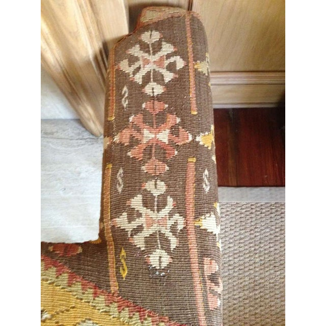 English Traditional English Club Fender, Brass with Kilim Upholstery For Sale - Image 3 of 3