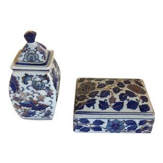Chinoiserie Blue & White Porcelain Ginger Jar & Trinket Box - Set of 2 For Sale