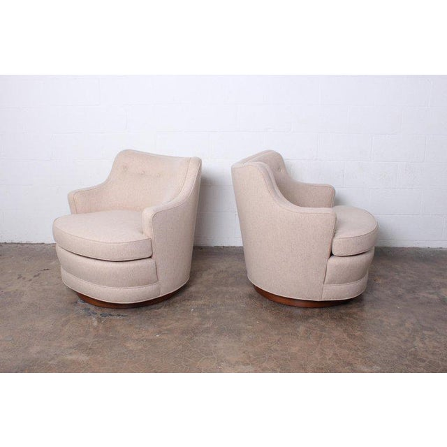 Mid-Century Modern Pair of Dunbar Swivel Chairs by Edward Wormley For Sale - Image 3 of 11