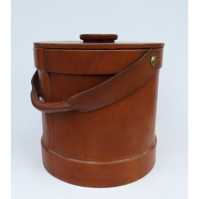 1980s Vintage Italian Ralph Lauren-Style Tooled Saddle Leather Oversized Traveling Cooler, Wine Holder And/Or Ice Bucket For Sale - Image 5 of 13
