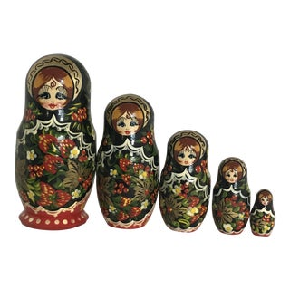Vintage Matryoshka Russian Nesting Dolls - Set of 5
