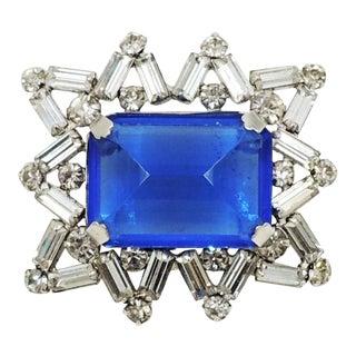 1950s Hattie Carnegie Rhodium Plated Faux-Sapphire Brooch For Sale
