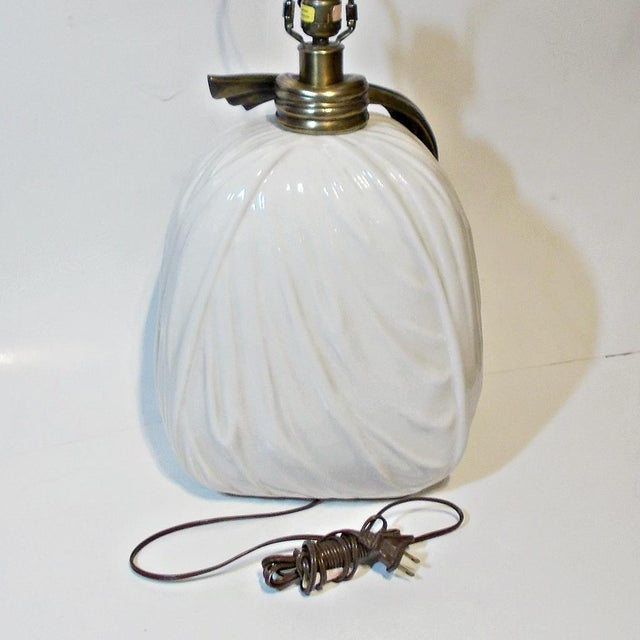 Chapman Porcelain Brass Ribbon Lamp 1980s Hollywood Regency Style For Sale In Miami - Image 6 of 10