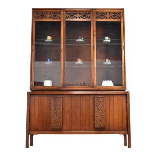 Mid-Century Modern China Hutch by Kroehler For Sale