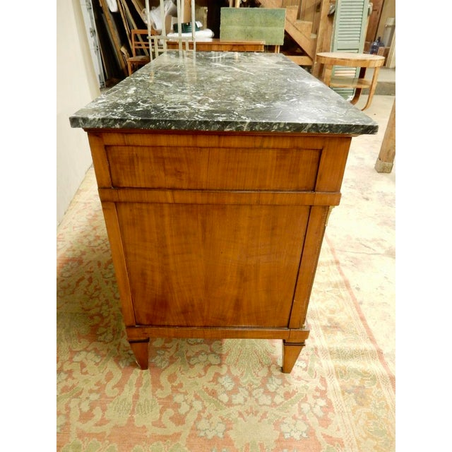Early 19th Century Biedermeier Walnut Commode For Sale - Image 4 of 13