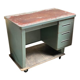 1930s Rare Original Industrial Modern Cole-Steel Industrial 3-Drawer Tanker Desk For Sale