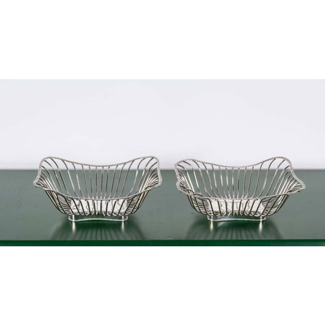Italian Pair of Italian Silver Plate Wire Baskets For Sale - Image 3 of 8