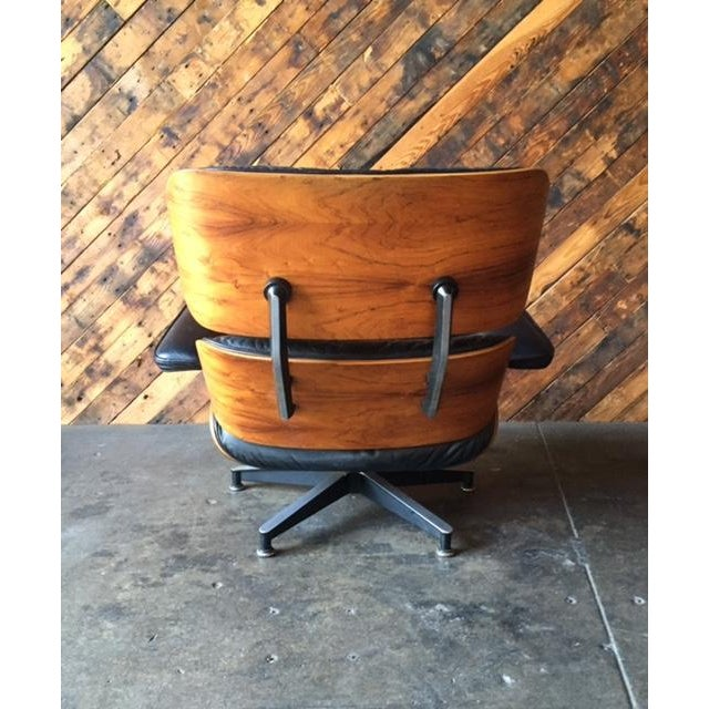 Original Eames Herman Miller 1975 Rosewood Leather Chair with Ottoman For Sale - Image 10 of 11