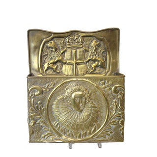 1920s Vintage Queen Elizabeth I Brass Candle Box For Sale