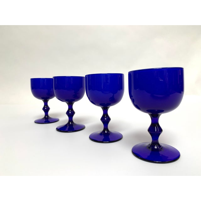 Carlo Moretti Final Markdown 1960s Carlo Moretti Mid Century Modern Blue and White Cased Glass Wine Goblets - Set of 4 For Sale - Image 4 of 13