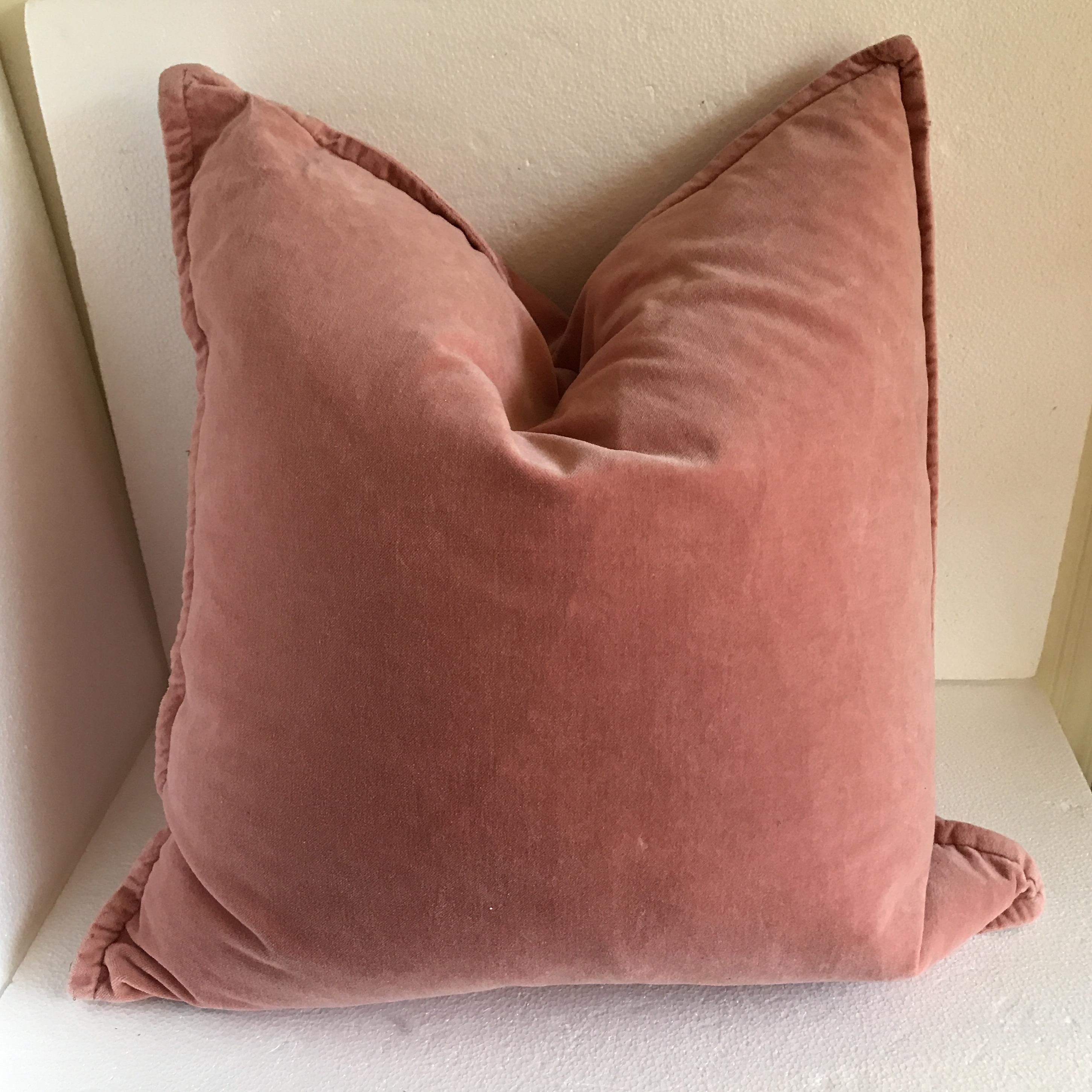 Greatest Tahari Home Lush Velvet Accent Pillow | Chairish RJ65