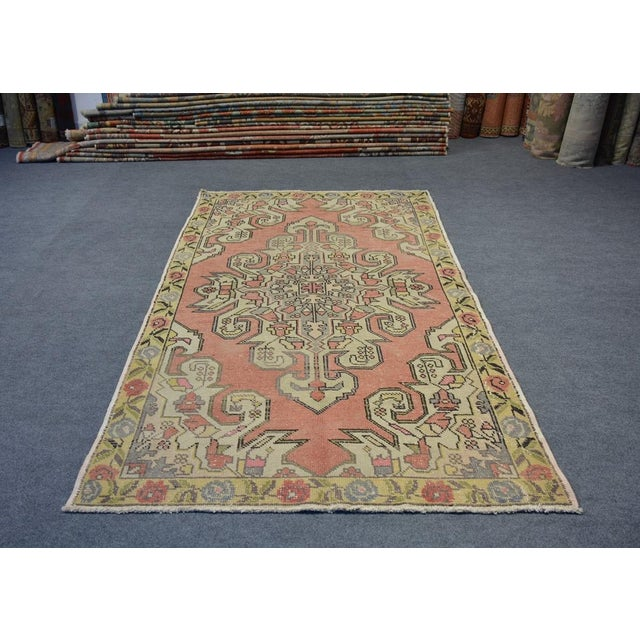 A vintage Turkish rug. Product Code : AMC133 •Size: 4'4″x7'3″ feet ** 133×222 cm •Material : Wool & Cotton •Age: Old Rug...