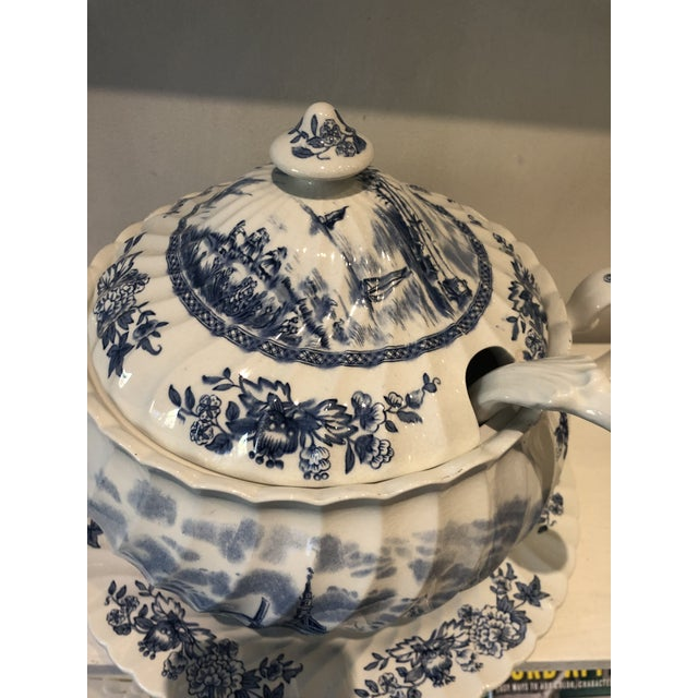 Farmhouse Johnson Brothers English Tureen & Under-Plate Set For Sale - Image 3 of 4
