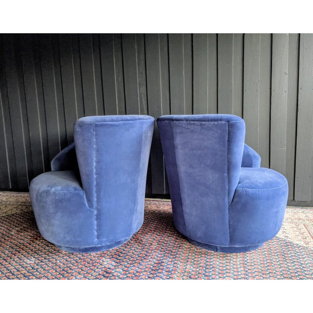 Vladimir Kagan Nautilus Swivel Chairs Reupholstered in Blue Velvet, a Pair For Sale In Dallas - Image 6 of 13