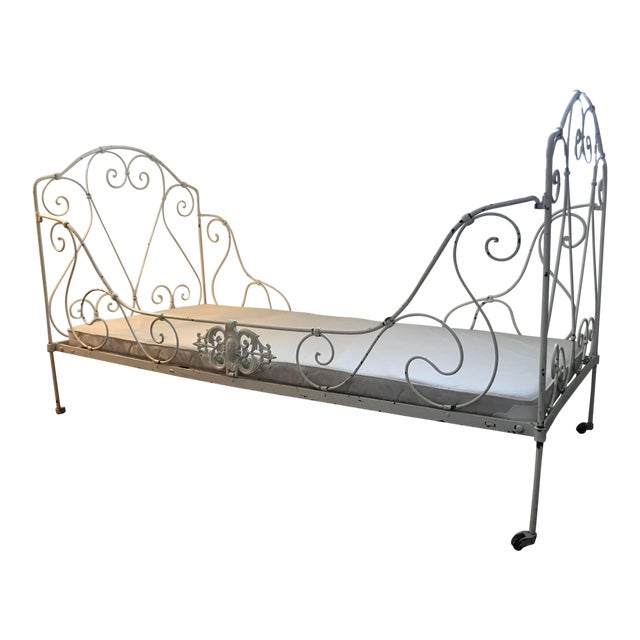French Antique White Iron Daybed For Sale
