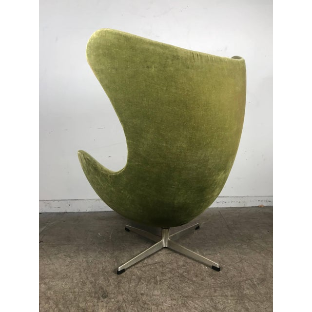 Mid-Century Modern Early Original Egg Chair by Arne Jacobsen for Fritz Hansen For Sale - Image 3 of 10