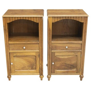 1930s Vintage French Country Walnut Nightstands- a Pair For Sale