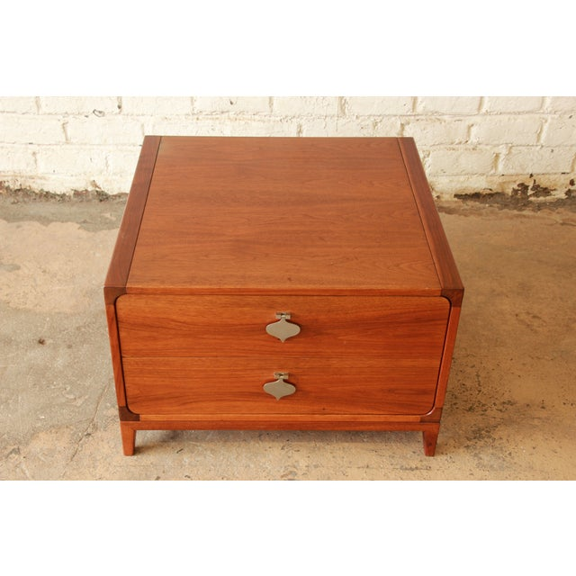 Mid-Century Modern Mid-Century Modern End Table by Brown Saltman For Sale - Image 3 of 7