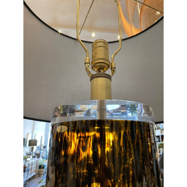 Mid-Century Modern Lucite and Faux Tortoiseshell Italian-Made Glass Table Lamps For Sale - Image 4 of 9