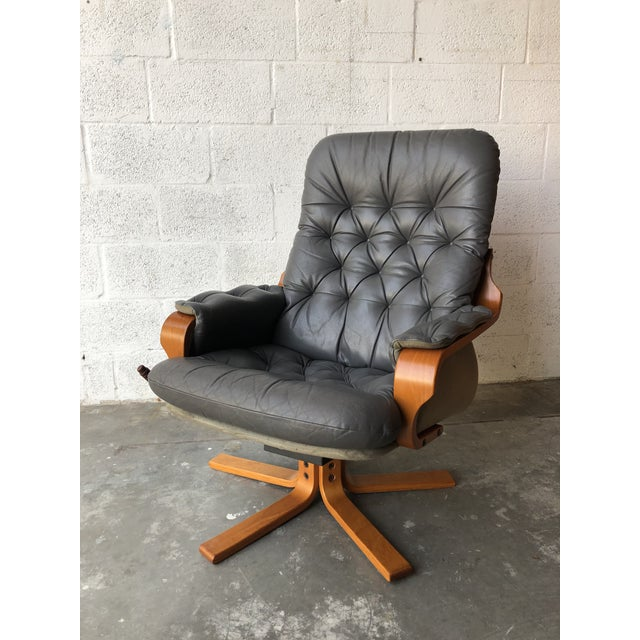 1970s Vintage Mid Century Modern Scandinavian Lounge Chair & Ottoman For Sale - Image 5 of 13
