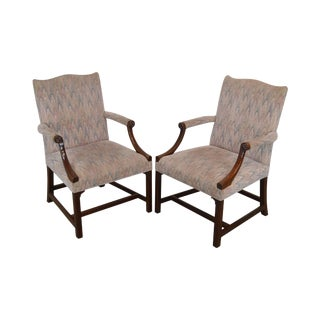 Kittinger Colonial Williamsburg Adaptation Mahogany Chippendale Style Pair Library Armchairs For Sale
