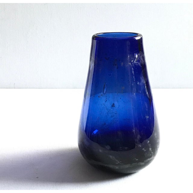 Boho Chic Ron Colby Hand Blown Art Glass Vase For Sale - Image 3 of 5