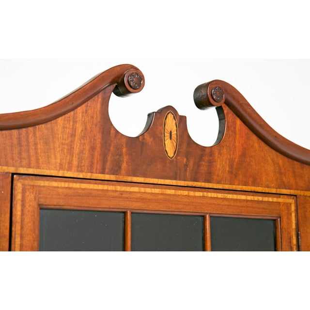 Boxwood Early 20th Century Federal Style Corner Cabinets - a Pair For Sale - Image 7 of 7