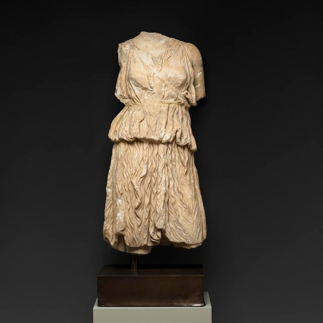 Roman Marble Torso of the Goddess Diana For Sale - Image 4 of 4