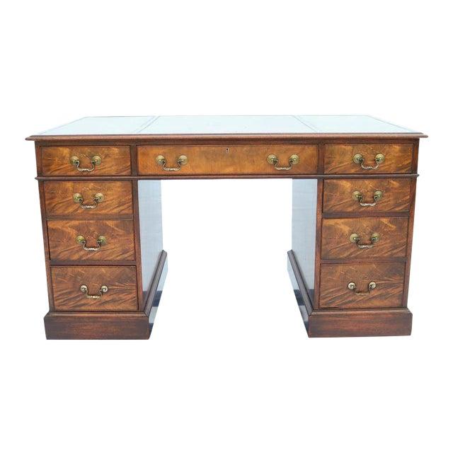 Beacon Hill Georgian Style Mahogany Pedestal Desk - Image 1 of 11