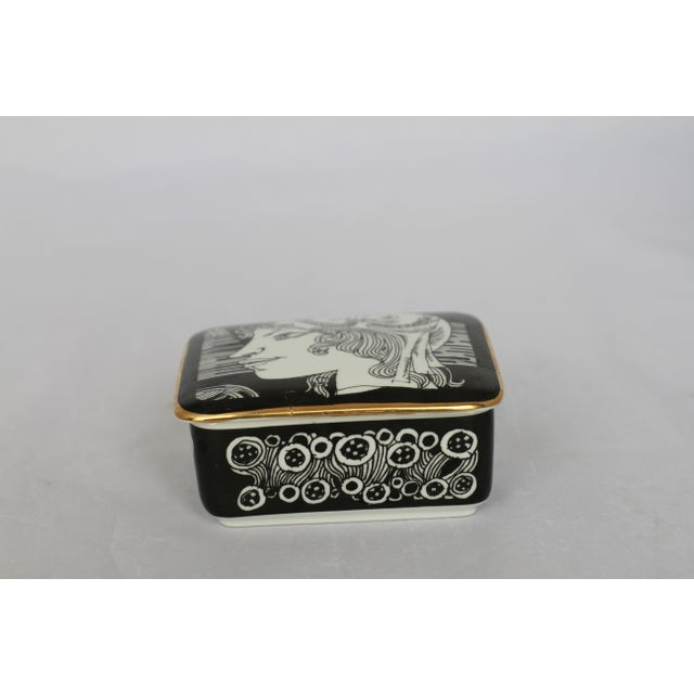 Vintage Black and White Hollohaza Hungarian Covered Box - Image 3 of 9