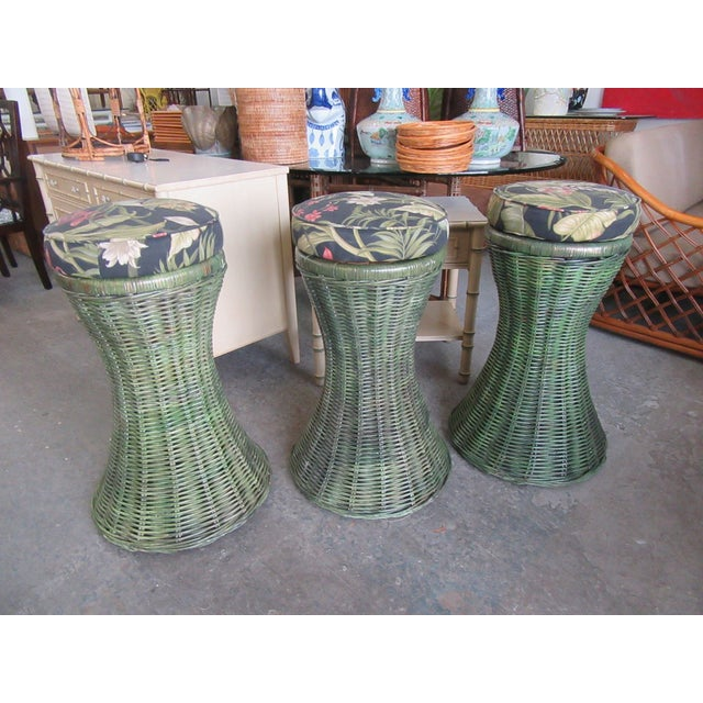 Tropical Green Woven Swivel Bar Stools- 3 Pieces For Sale In West Palm - Image 6 of 6