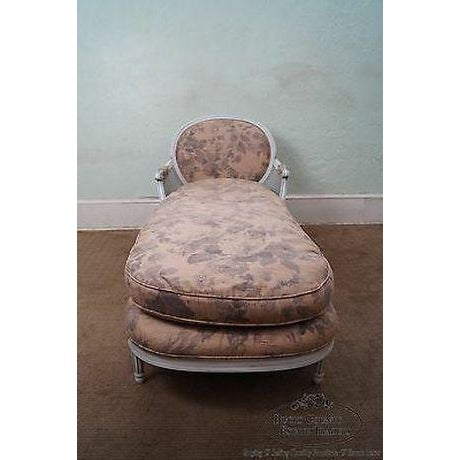 Quality French Louis XVI Style Painted Chaise Lounge For Sale In Philadelphia - Image 6 of 13