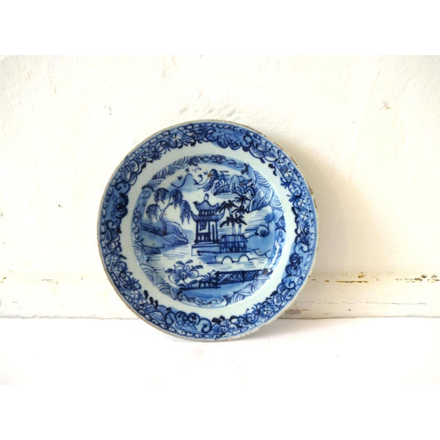 Chinoiserie Antique 18th-Centry Kangxi Chinese Export Porcelain Blue Underglaze and White Plates - a Pair For Sale - Image 3 of 12