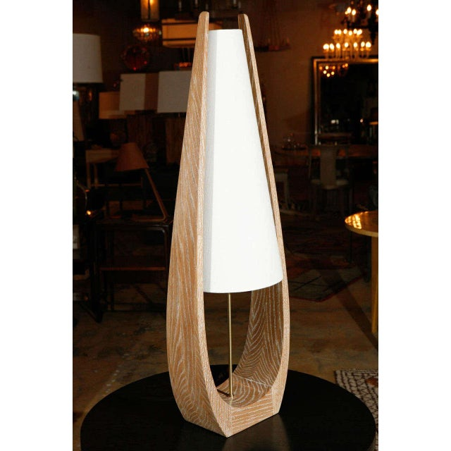 Mid-Century Modern Wishbone Table Lamp in Ceruse Oak For Sale - Image 3 of 7