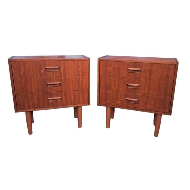 1960s Mid Century Modern Danish Mobler Teak Pair of 3 Drawer Nightstands End Table Set With Sculpted Handles For Sale - Image 5 of 5