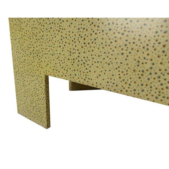 Heavy Large Legs Mid Century Modern Geometric Coffee Table Dotted Pattern. For Sale In New York - Image 6 of 9