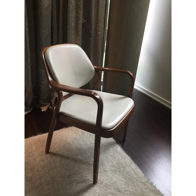 Vintage Don Petitt for Knoll White Leather Armchairs - Set of 12 - Image 6 of 11