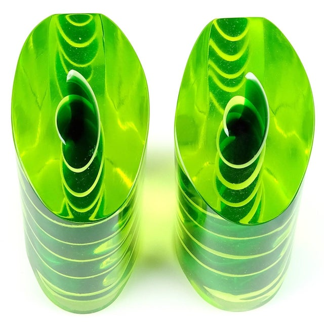 Murano Murano Glowing Sommerso Ribbons Italian Art Glass Uranium Rod Bookend Sculptures For Sale - Image 4 of 7
