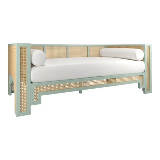 Alexandra Daybed - Turquoise Mist, Optic White Linen For Sale